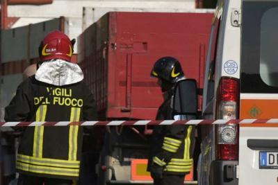 Calenzano: crolla muro, donna in prognosi riservata