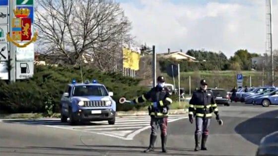Pisa: 79 aggredito in strada , fermata una donna